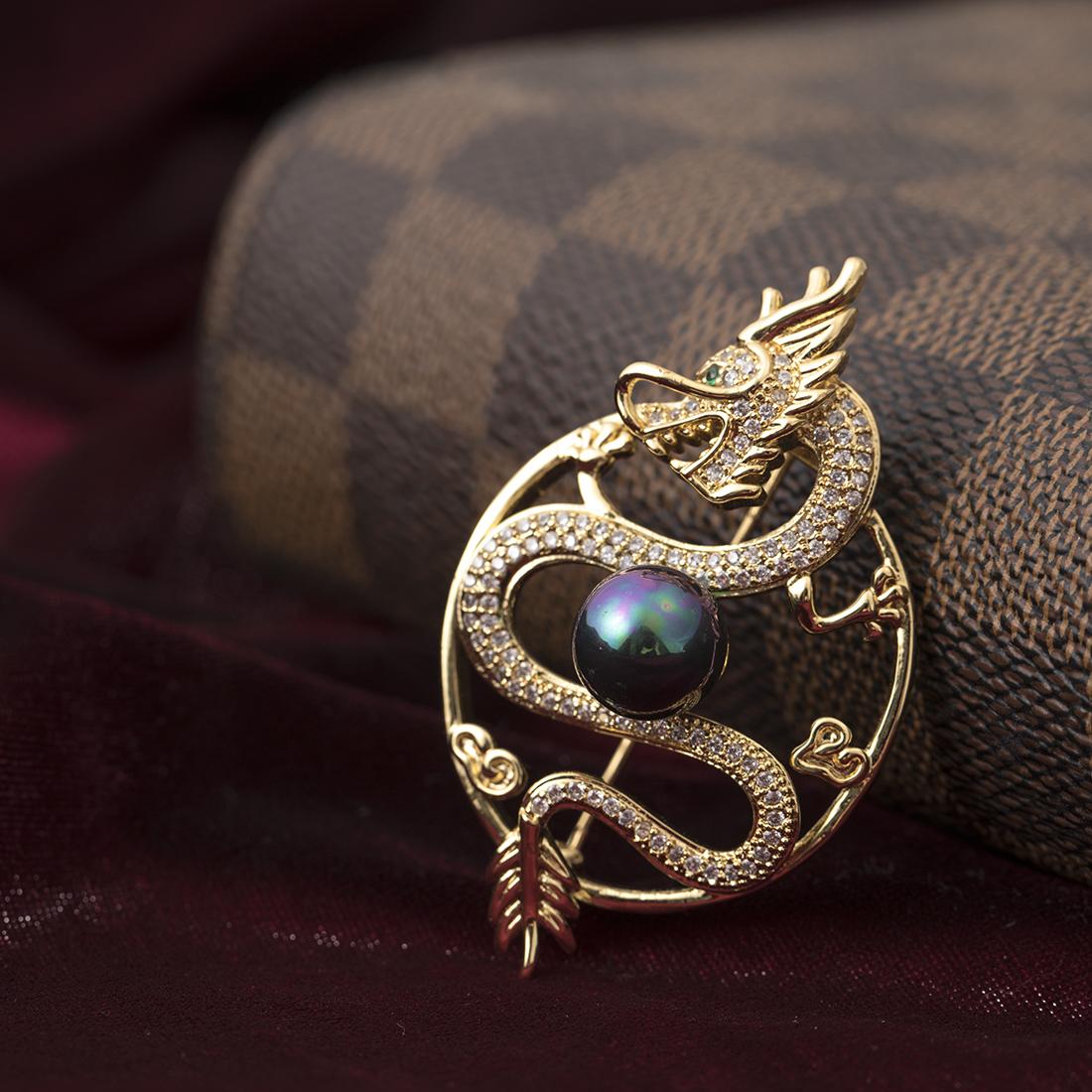 宫廷王妃微镶锆石水晶复古胸针 气场女主胸花飞龙珠别针丝巾扣