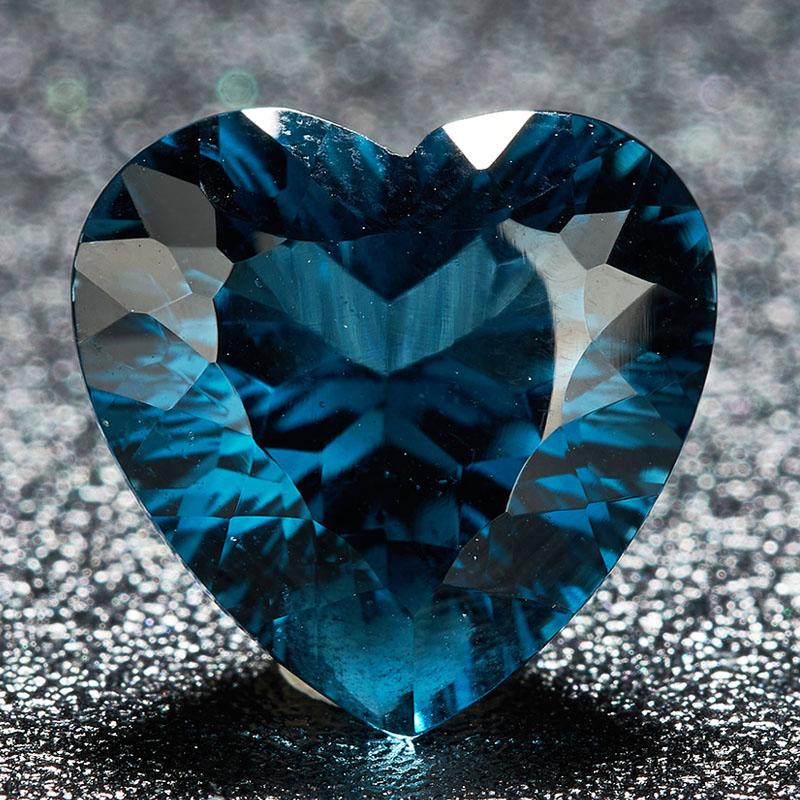 1元起拍 批发源头 6.7克拉 蓝色心形托帕石裸石 支持私人定制