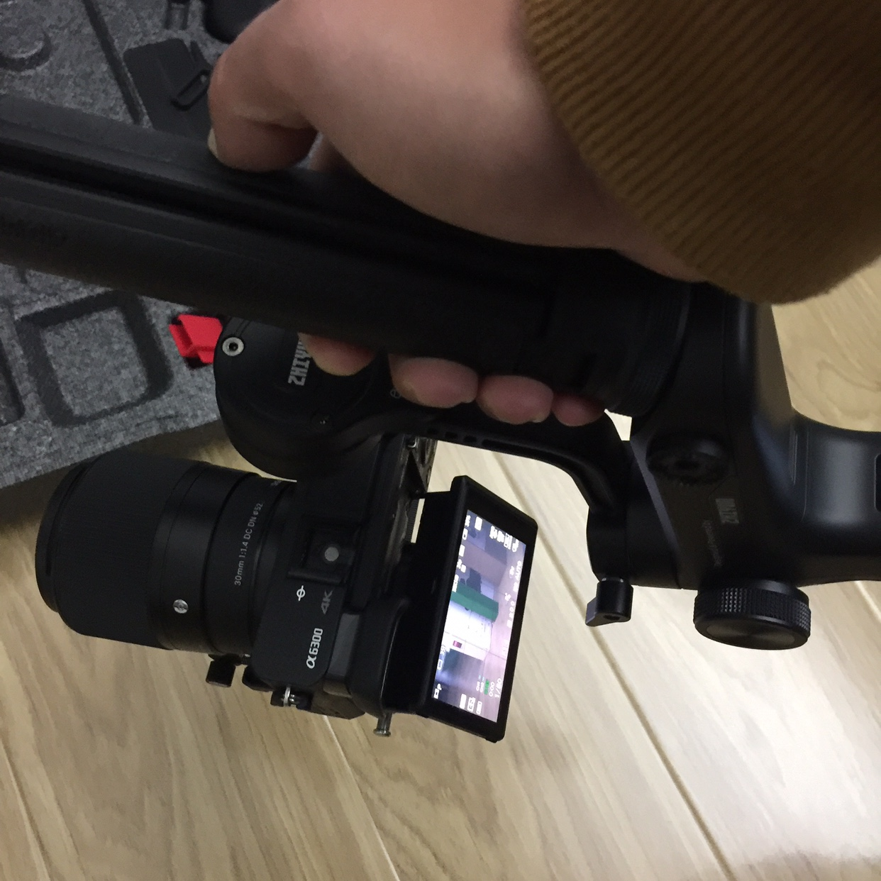 抖音同款:单反相机手持稳定器-2