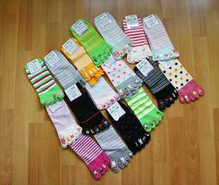 Day One cartoon cotton socks Polka Dot Dispensing toe color of socks multicolour socks