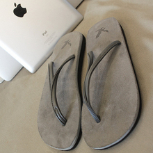 ea2e7f0a186 The escape of a gentleman Gray flip-flops male South Korean couples sandals  flip-