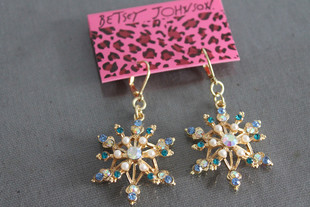 The new snowflake earrings 1227