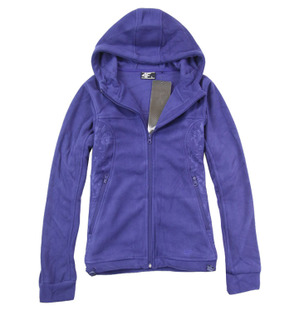 Female models outdoor warm and comfortable long sleeved hooded fleece zip cardigan Fleece