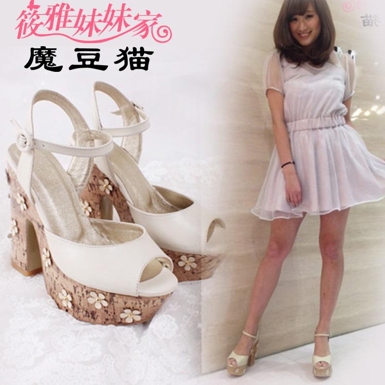 魔豆猫小花凉鞋 日本VIVI杂志揭载LENA同款 超高跟米白羊皮鱼嘴鞋