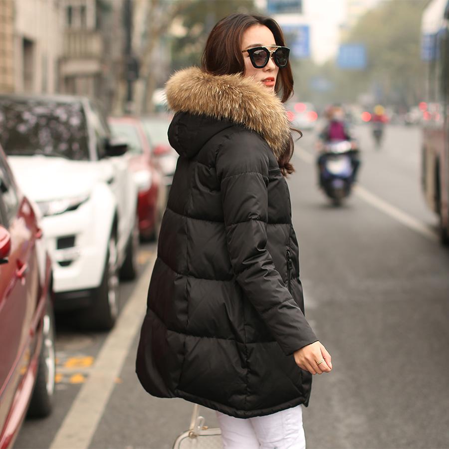Плащ зимы 2015 давнишний в Европе в корейской версии вниз куртки женщин типа a плюс размер новый большой воротник пальто