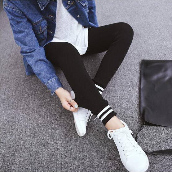 Ноги полоса леггинсы женщин носить брюки тощий тонких тонкие ноги в осенние брюки плюс размер леггинсы растянуть всплеск