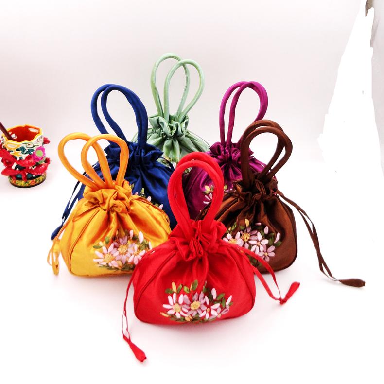 中国风手提牙子绣花包丝带绣抽袋  抽袋包手工穿花包特色手工艺