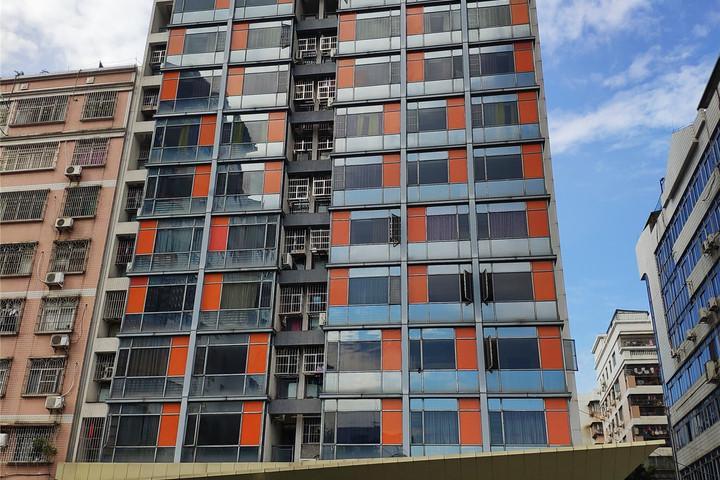 肇庆市端州区49区东芙蓉路西侧汇通公寓二层A201房