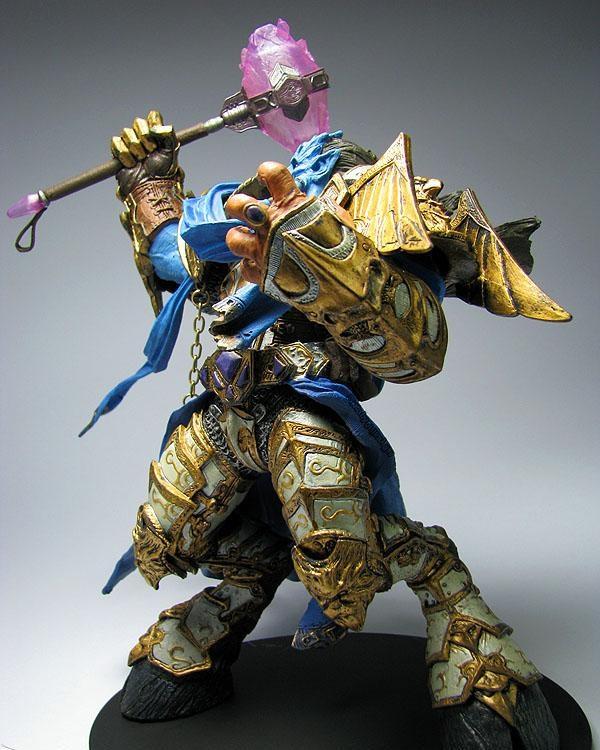 魔兽世界wow周边德莱尼圣骑士炉石传说手办黄金战士玩偶车载摆件