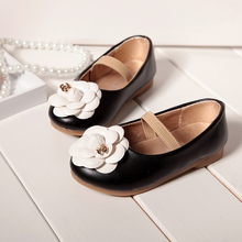 The new spring 2015 children leather shoes, girls shoes han edition small sweet wind camellia children leather shoes, baby shoes