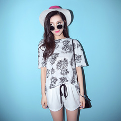 QUEENZZ/2015 spring/summer retro best hitch mounted t-girl with big flower round neck short sleeves Korean tidal TX868