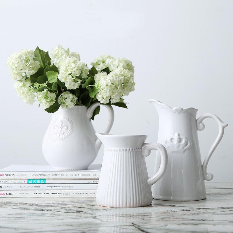 梦想家 家居饰品客厅白色陶瓷花瓶 维多利亚时代浮雕徽章奶壶花器