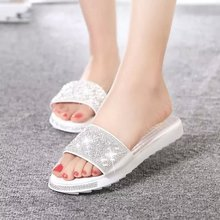 The new 2015 han edition antiskid rhinestone slippers summer fashion women's sandals a word procrastinates low heel shoes with flat bag mail