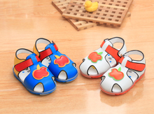 Tao tao shoes 1 to 2 years old baby bear baby sandals soft bottom baby toddler shoes for men and women leisure sports shoes flash