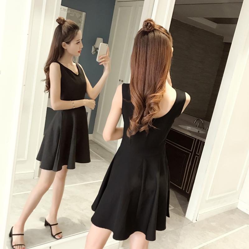 【实拍】赫本小黑裙夏夏季大码无袖连衣裙女装背心裙修身显瘦8661