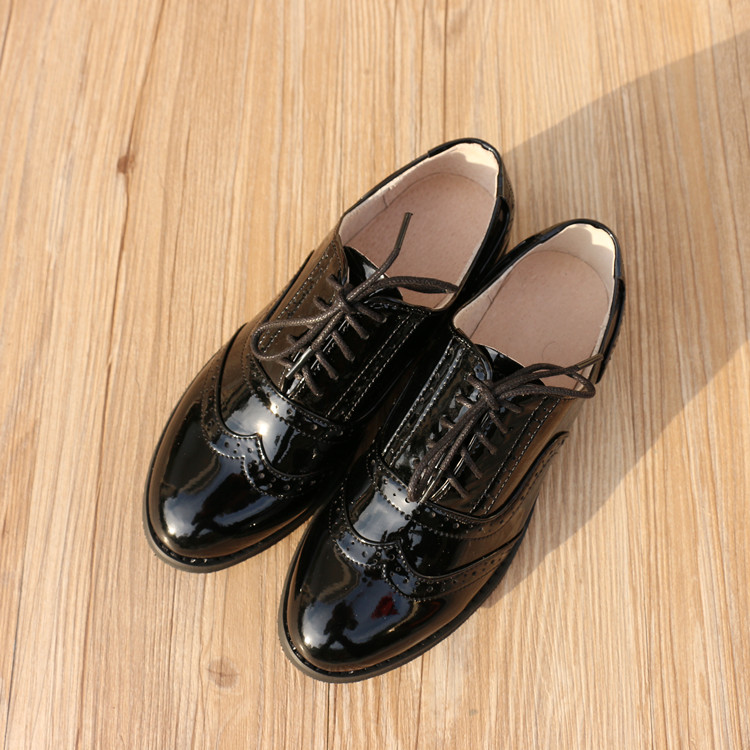 Spring and autumn new leather womens leather shoes European and American retro casual single shoes handmade Oxford Shoes for women