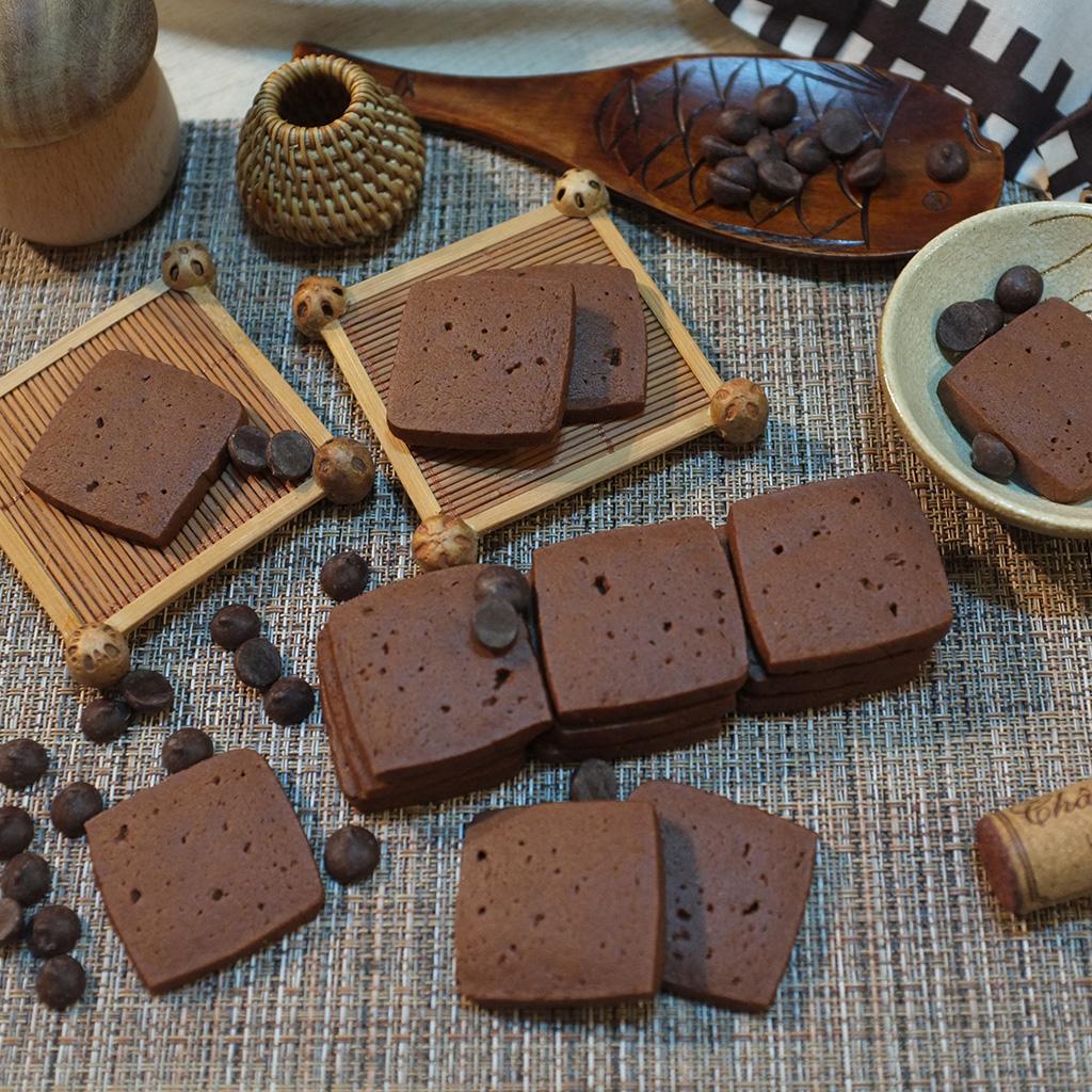 濃厚チョコレートクッキーを食べました。恋愛輸入の原材料について手作りお菓子を作りました。