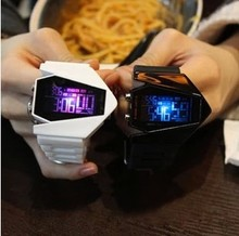 South Korea's seven lights LED luminous glow han edition harajuku fashion men's and women's middle school students lovers jelly watch