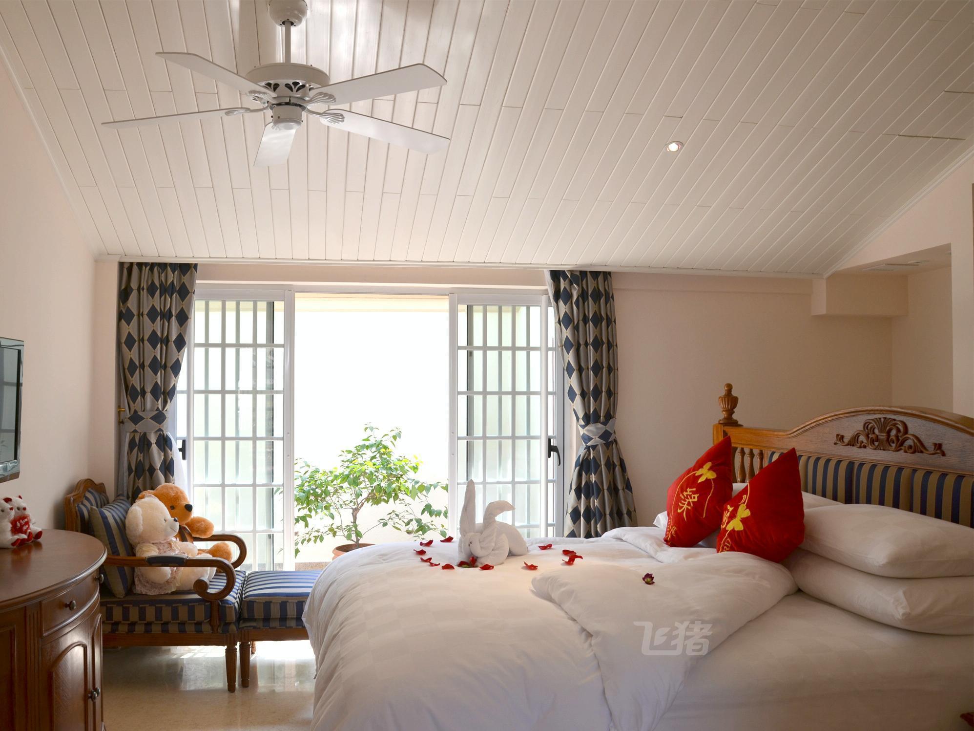 云霄金汤湾海水温泉度假酒店玫瑰园温馨大床套房