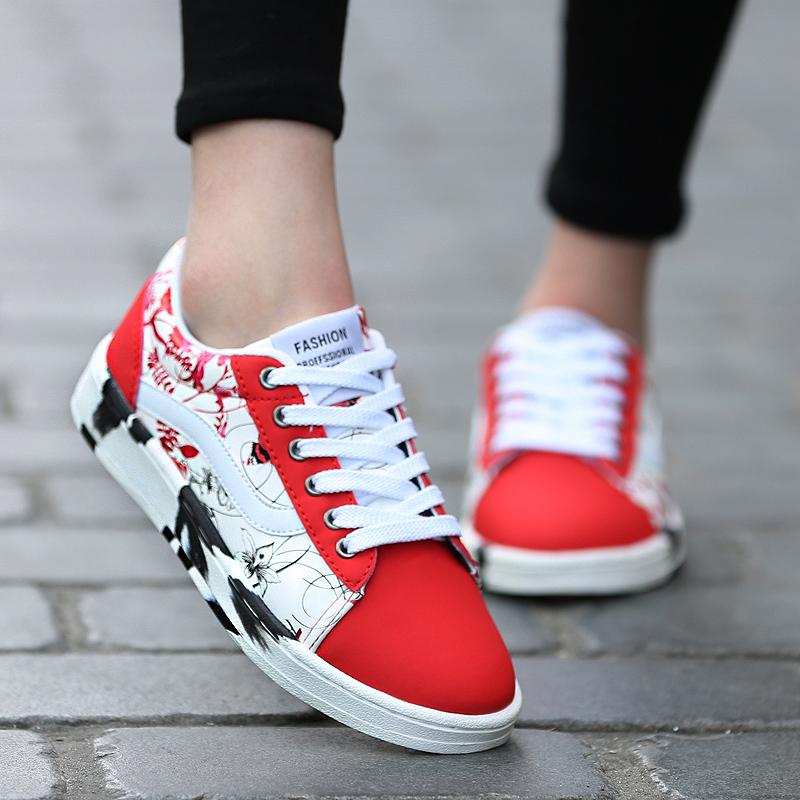 Дизайнер обуви Весна плоские ботинки в конце корейской версии печати холст женщин Повседневная обувь кроссовки студенческий совет обувь женщины