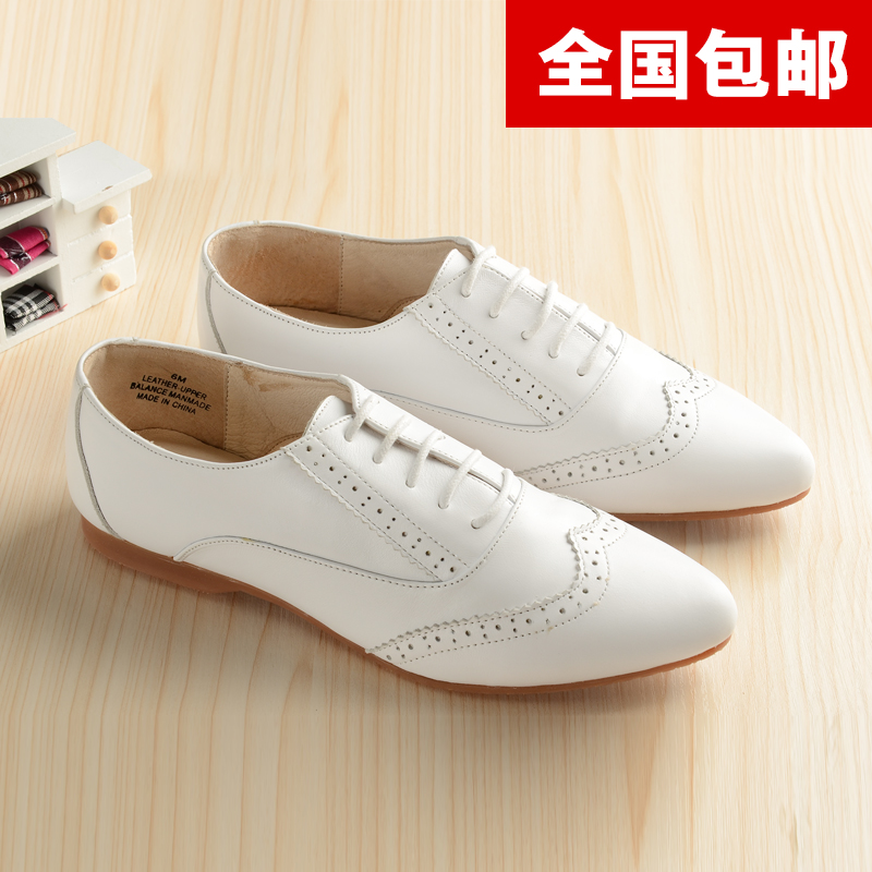 Korean retro British style Oxford Shoes retro carved lace up leather small white shoes flat bottomed pointed head flat heel shoes