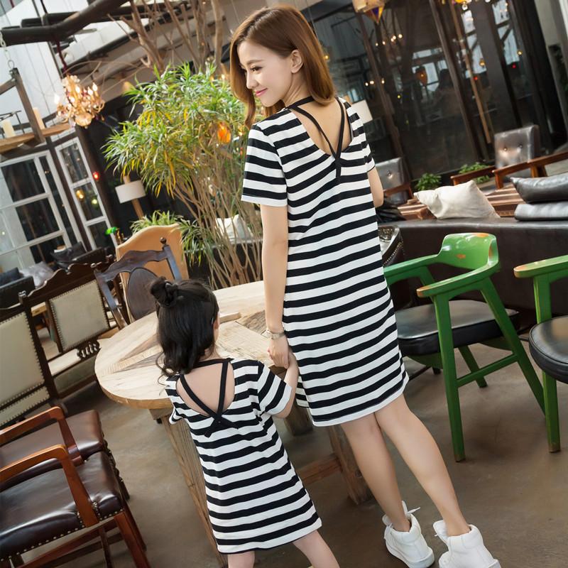 Детской одежды летний костюм мать и дочь даже загружен платье 2017 новый приток ребенок юбка корейский случайный мать и дочь полоса секретаря юбка