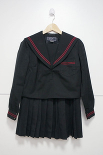 Japan beat Cuba repurchase Japanese red two black sailor collar black dress black winter coat