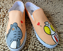 The new 2015 summer altman and little monsters hand-painted shoes half dragged canvas shoes slippers cartoon han edition of leisure