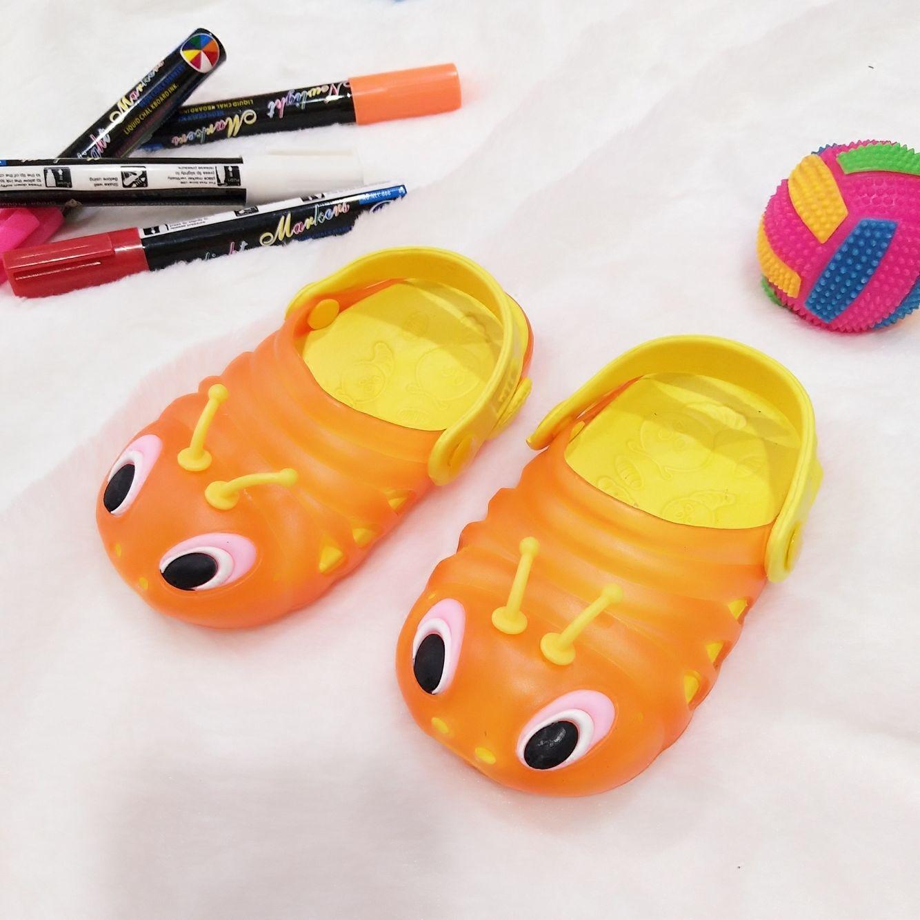 夏季寶寶拖鞋洞洞鞋毛毛蟲兒童防滑涼拖男女嬰兒拖鞋1/2/3歲涼鞋