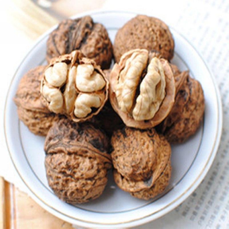 新商品のオリジナルの生クルミの実の実の小さい灰色の皮の麻の皮の薄い旺盛さ度の良いリスの食糧はナッツを生みます。