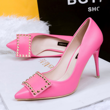 Europe and the United States sexy high with OL rivet point fine with shallow mouth single female shoe show thin fashionable nightclub high-heeled shoes 34 yards