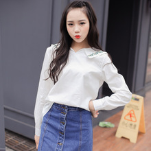 In the fall of the new women long sleeve shirt Navy collar stitching embroidery flower cultivate one's morality show thin White yards of cotton