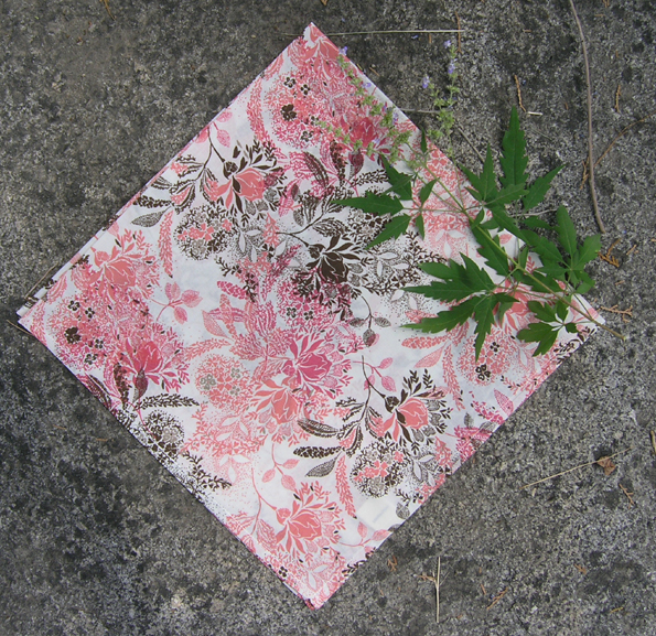 Japanese pastoral rice ground powder brown flower branch, cotton small square scarf, scarf, outdoor hair band wrapped face kerchief.