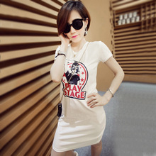 In the summer of 2015 the new printing in Europe and the van straight collar short sleeve round collar loose long female T-shirt render unlined upper garment