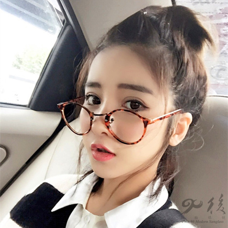 Spectacle frame retro round frame nearsighted leopard print ultra light eye Korean fashion simple mens and womens personalized spectacle frame