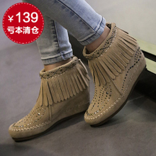 The new Europe and the United States increased within the rivet leather boots 13 e05 tassel naked female boots and boots