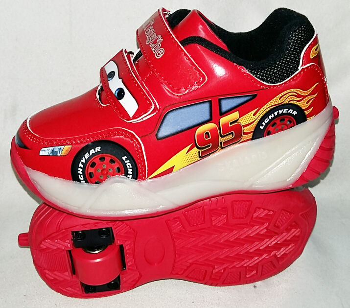 Гуанчжоу автомобиль идти Чистка свет flash студент автомобильной Heelys роликовых коньках роликовых обуви автомобили