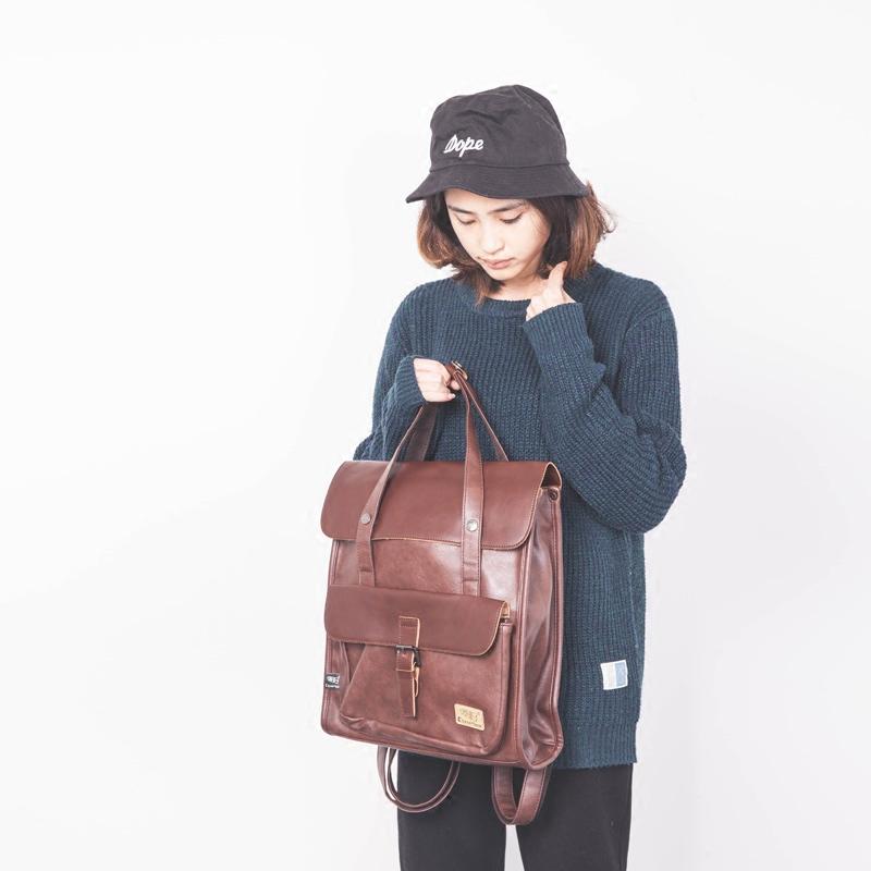 Soutpoem mens and womens Retro backpack Japanese simple handbag PU leather couple korean backpack trend