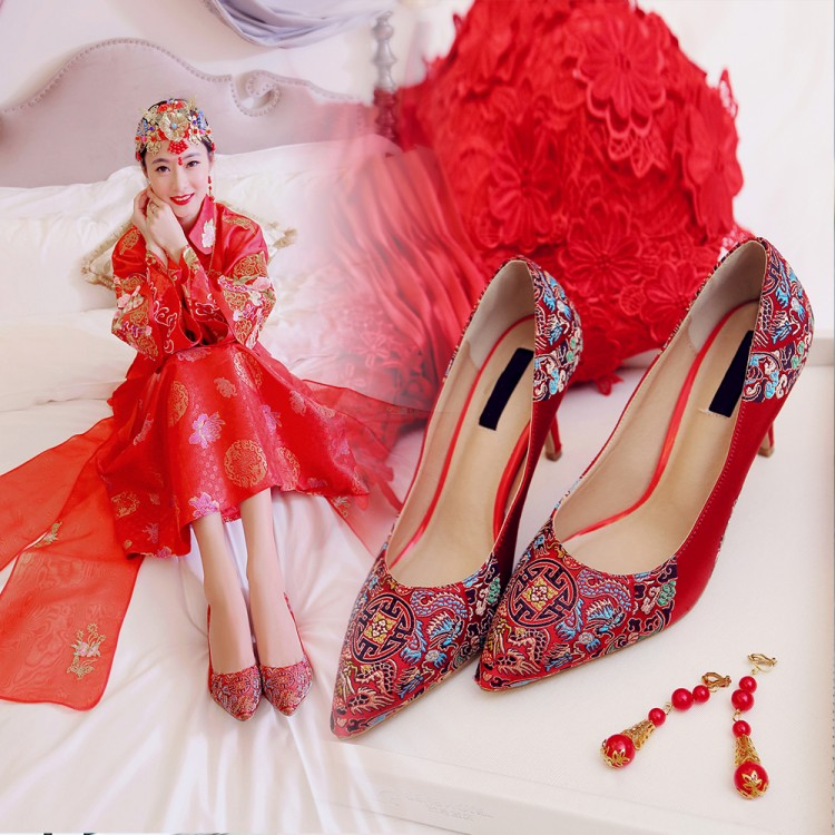 Summer and autumn red womens wedding shoes show kimono