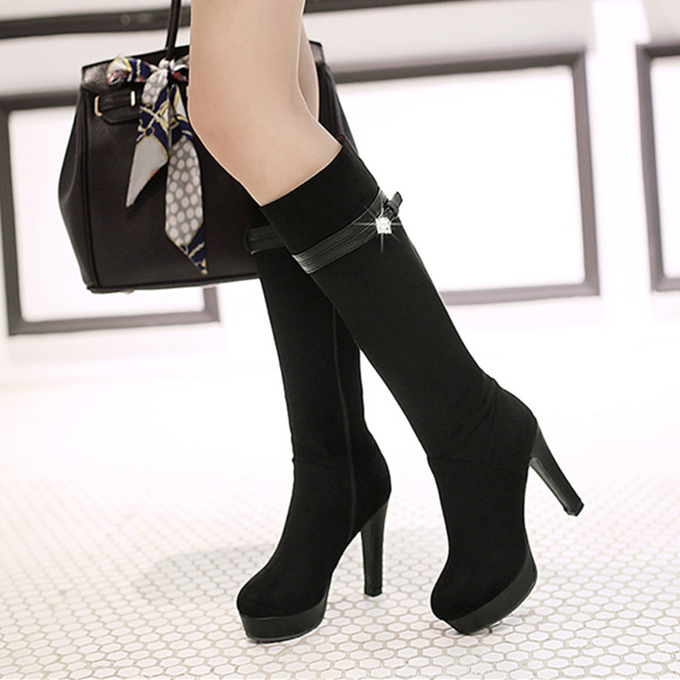 Korean version of the new fall and winter stovepipe boots diamond belt buckle waterproof thick with high-heeled boots high boots Knight frosted
