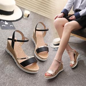 HY/豪雨夏季百搭坡跟松糕厚底凉鞋 天猫