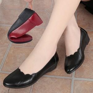 2020春秋妈妈鞋单鞋中跟舒适防滑中老年人皮鞋软底坡跟工作鞋女鞋