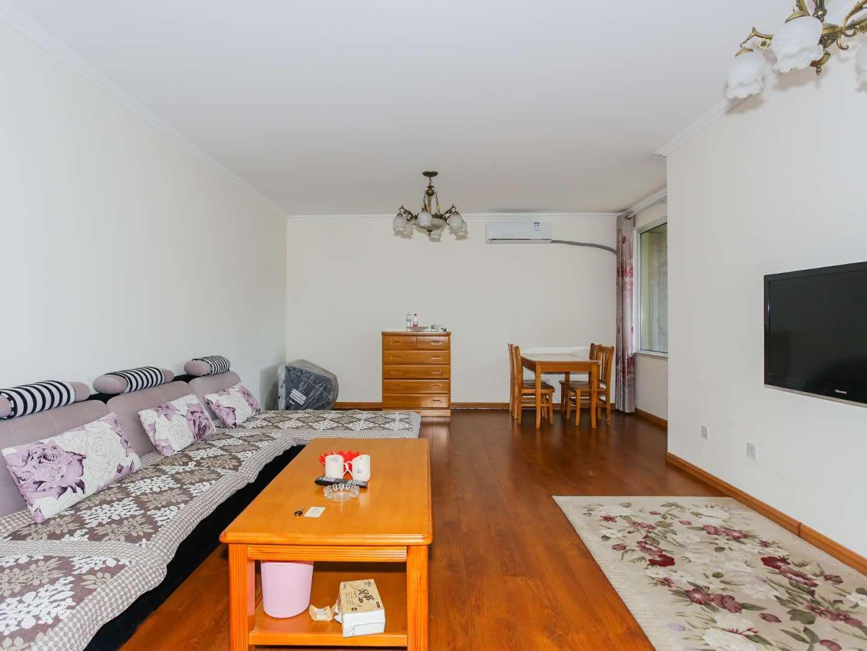 青岛史春丽公寓(河北路分店)舒适二室一厅套房