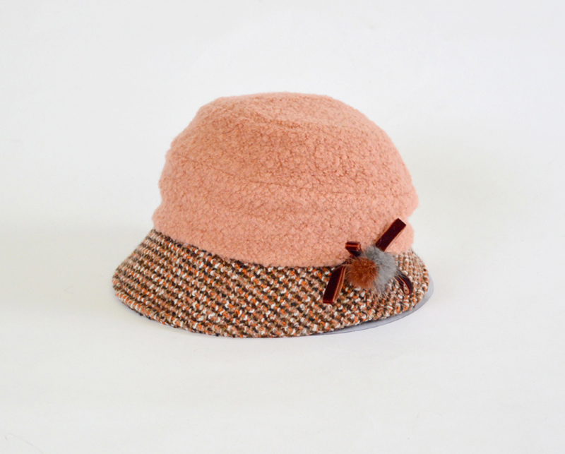 Parcel post: Fanny Lee, autumn and winter new autumn hat, British hat, winter wool basin hat, womens wool ball decoration