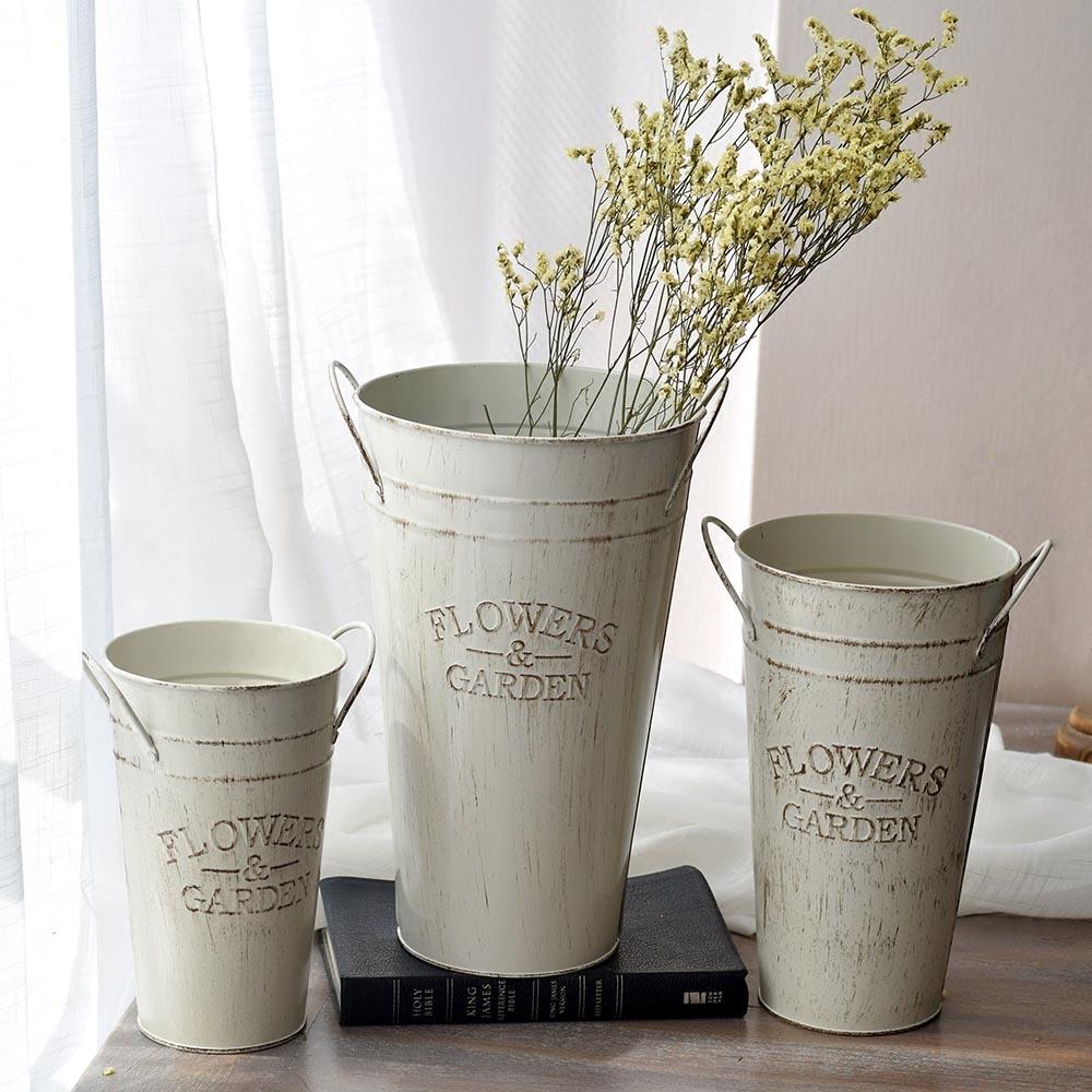 Ретро сделать старый маленький белый железо баррель цветочный горшок железный лист баррель ваза железо сухие цветы цветок баррель цветы баррель цветок магазин наряд цветок баррель