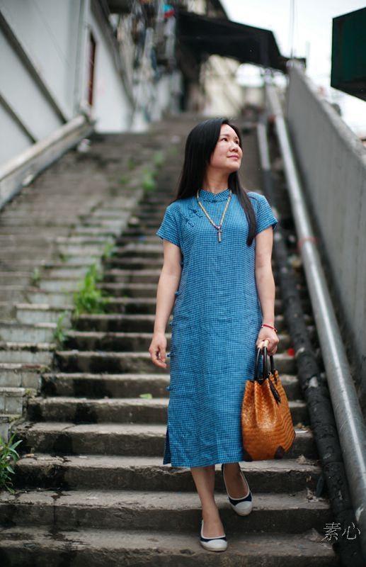 柜中缘 蓝不语原创文艺复古蓝色格子棉麻改良生活旗袍