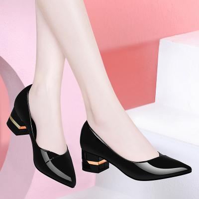 女鞋2020夏季新款工作皮鞋女士粗跟尖头单鞋中跟百搭软底浅口瓢鞋