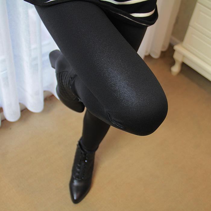 Осень/зима пакет почты точка Выкройка матовой искусственной кожи и кашемир женщин ПУ кожаные штаны носить вне тонкие черные брюки