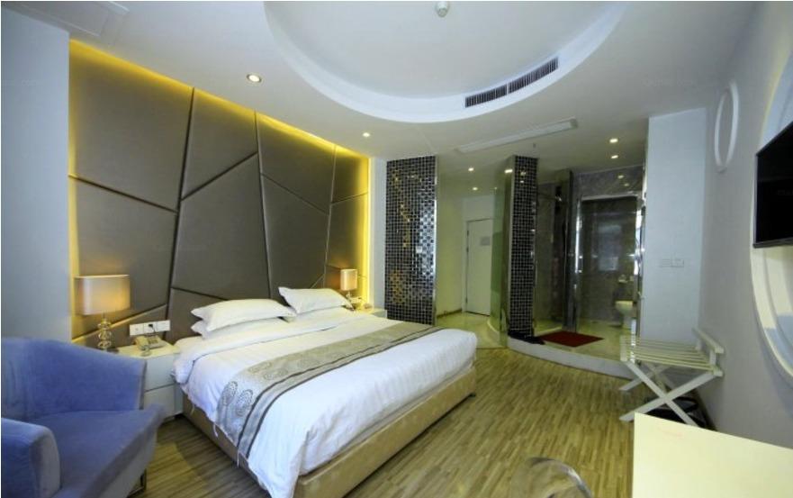 福州世纪长冠大酒店银色帝国