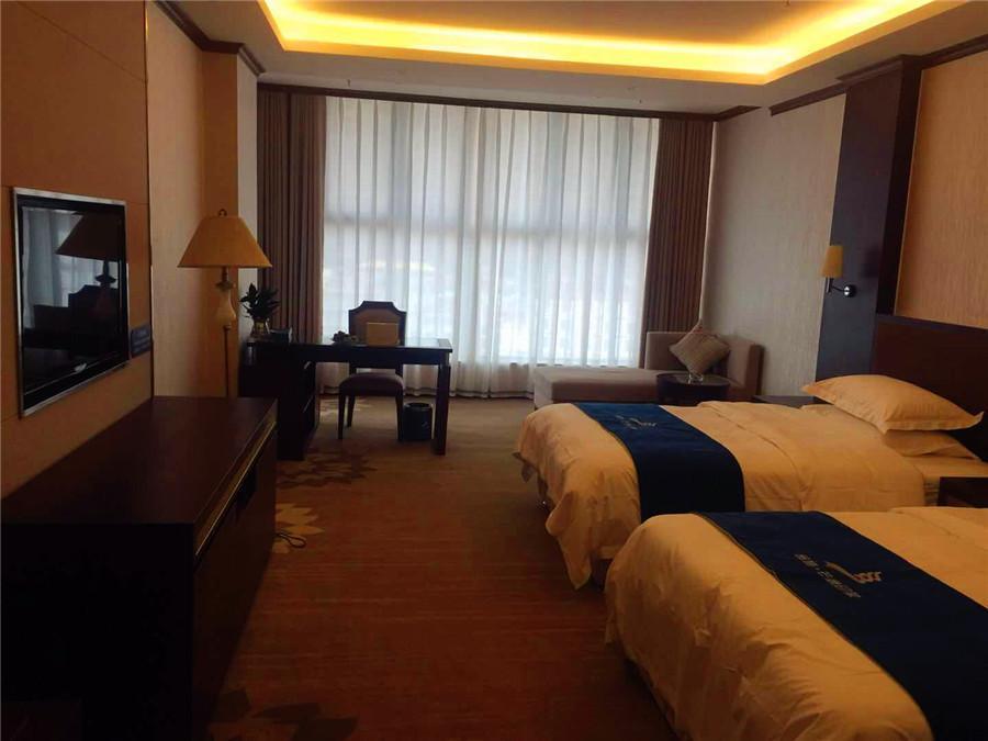 金施芒康印象国际酒店中式普通标间